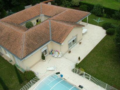 Photographie arienne basse altitude votre maison vue du ciel for Photo vue du ciel de ma maison